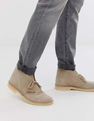 Clarks desert boots in sand suede-Beige