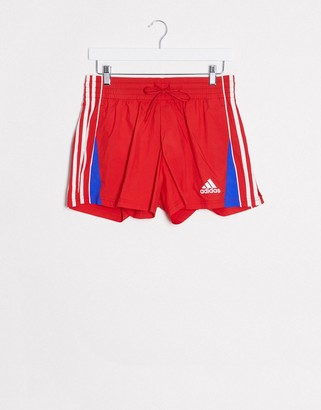 adidas Training shorts in red