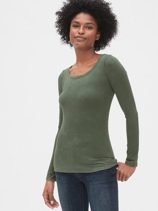 Gap Featherweight Long Sleeve Scoopneck T-Shirt