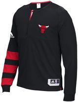 adidas Men's Chicago Bulls On-Court Shooting Shirt