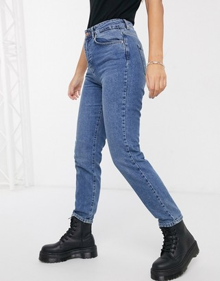 Noisy May Premium mom jeans with high waist in mid blue