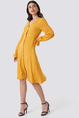 NA-KD V-Neck Trumpet Dress Yellow