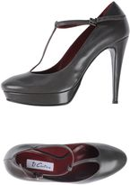 Couture Pumps