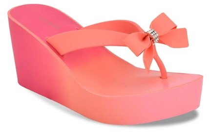 GUESS Siarra 8 Wedge Flip Flop