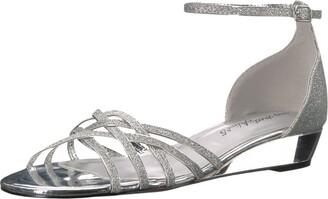 Easy Street Shoes Women's Tarrah Wedge Sandal