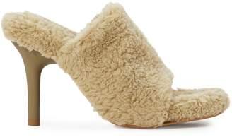 Yeezy Fake shearling high-heeled mules