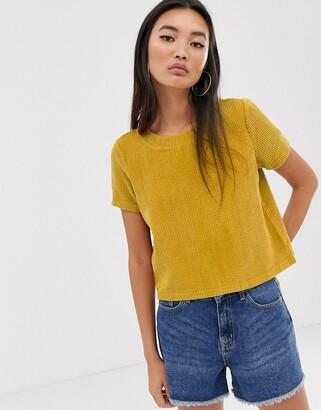 Noisy May Becca short sleeve cropped t-shirt-Green