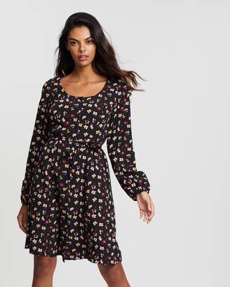 Dorothy Perkins Floral Print Button Fit-And-Flare Dress