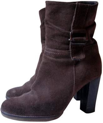 Jean Louis Scherrer Jean-louis Scherrer \N Brown Suede Ankle boots
