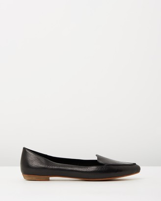 Mollini Gyro Leather Flats