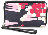 Marc Jacobs zip-around wallet - women - Leather - One Size