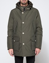 Woolrich Arctic Parka NF in Dark Green