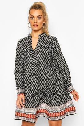 boohoo Plus Paisley Tiered Smock Dress