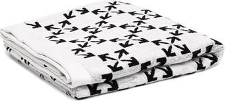 Off-White Arrows pattern towel