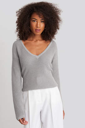 NA-KD Deep Front V-neck Knitted Sweater Beige