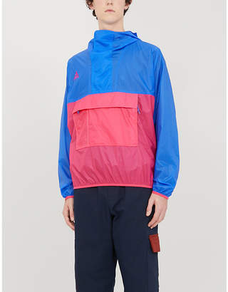 Nike Slip-on shell hooded jacket