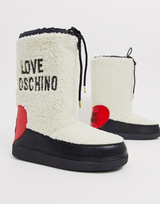 Love Moschino faux shearling snow boot-Cream