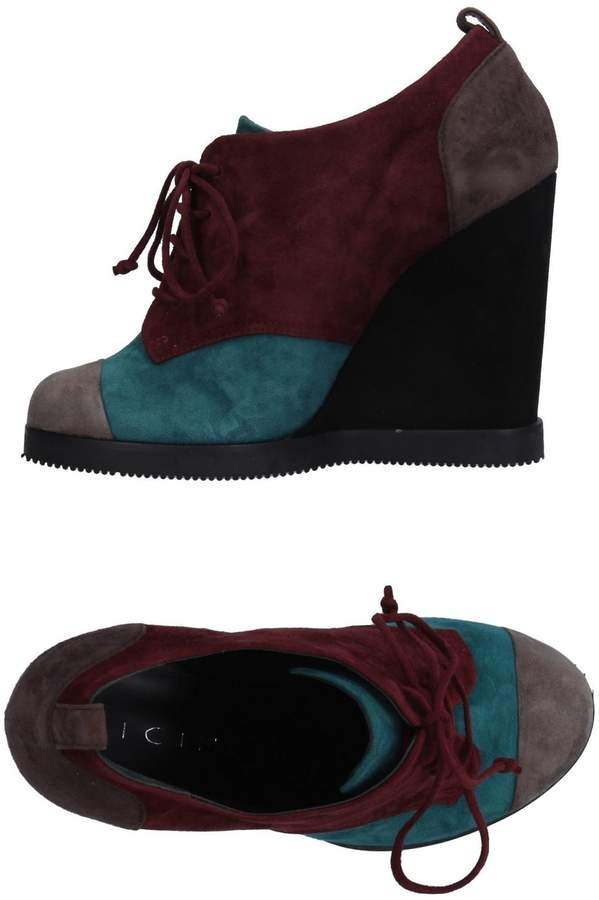 Vicini Lace-up shoes