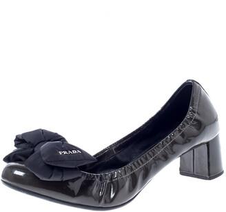 Prada Sport Prada Dark Green/Black Patent Leather Bow Block Heel Pumps Size 40