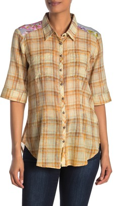 Aratta Magaret is a Pearl Elbow Sleeve Shirt