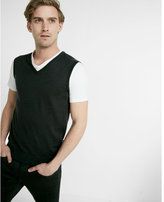 Express solid v-neck vest