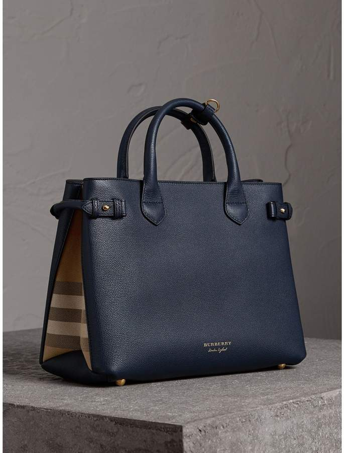 Burberry The Medium Banner in Leather and House Check