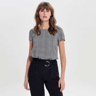 Only Short-Sleeved Blouse in Checked Print with Keyhole Back