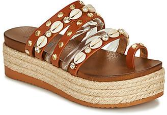 Elue par nous GIA women's Mules / Casual Shoes in Brown