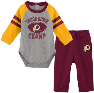 Redskins Unbranded Baby Boy Washington Touchdown Bodysuit & Pants Set