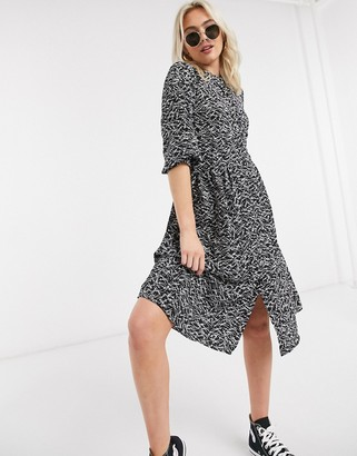 JDY abstract print midi dress with split in black