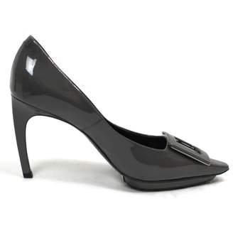 Roger Vivier Tres Vivier Grey Patent leather Heels
