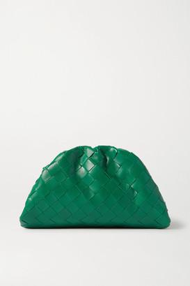 Bottega Veneta The Pouch Small Gathered Intrecciato Leather Clutch - Green