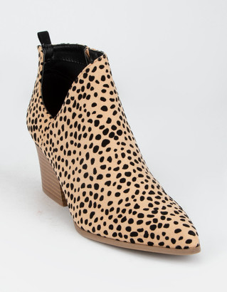 Qupid Chop Out Leopard Womens Booties
