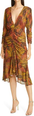 le superbe Crosby Ave Ruched Midi Dress