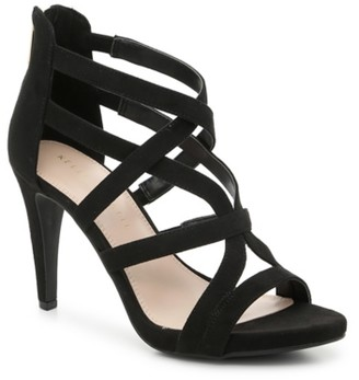Kelly & Katie Kinsley Sandal