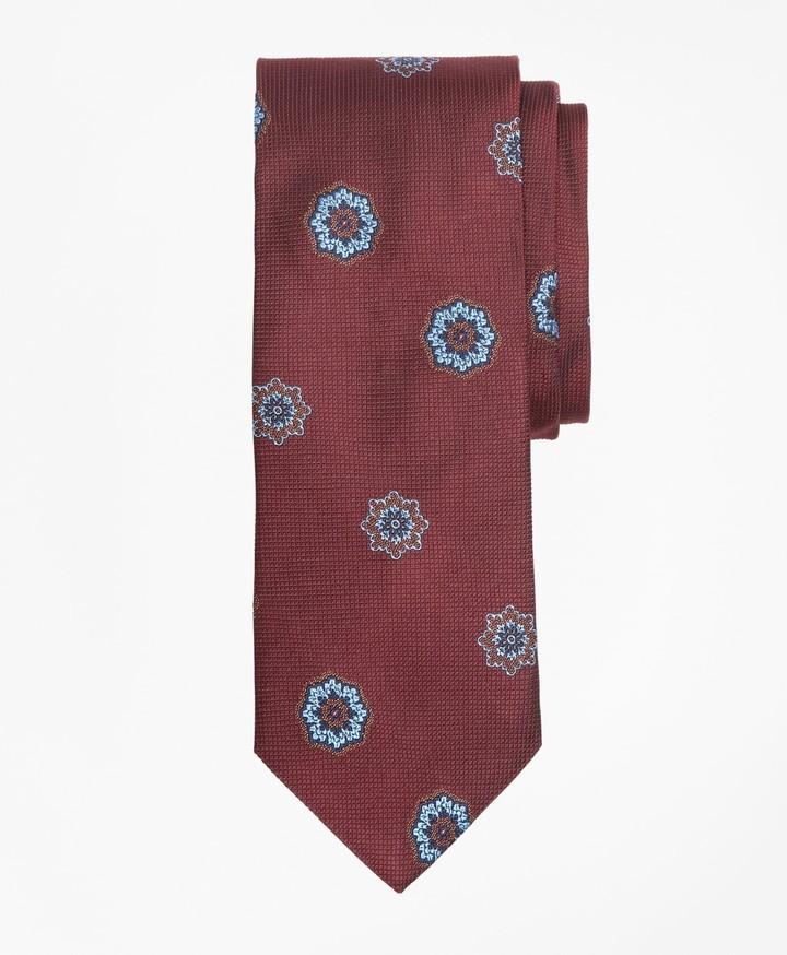 1185a1923474d Large Medallion Tie