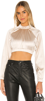 h:ours Clutch Crop Top