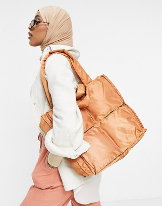 Ego quilted tote bag in camel nylon