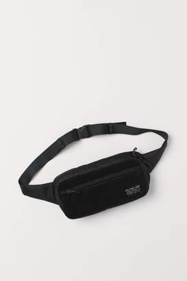 H&M Belt Bag in Pile and Mesh - Black