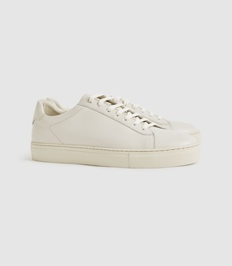 Reiss Finley - Leather Trainers in Off White