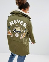 Pull&Bear Fleece Collar And Back Applique Parka