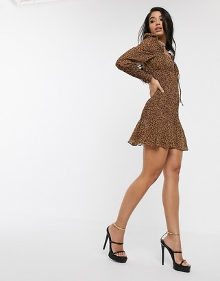 Style Cheat sweetheart neckline puff sleeve skater dress in leopard-Multi