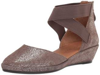 Gentle Souls Women's Noa Wedge with Anklestraps Pump Cocoa 6 M US