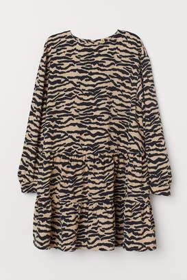 H&M Oversized Flounced Dress