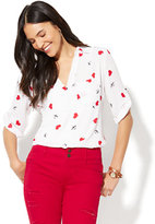 New York & Co. Soho Soft Shirt - One-Pocket Popover - Cupid's Bow & Heart Print