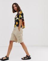 Weekday cargo shorts in beige