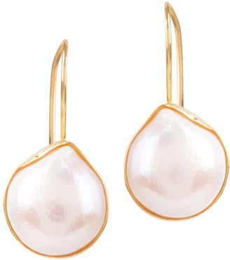 Venus White Pearl Earrings In Gold Shell