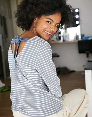 Only long sleeve open back tie detail top in washed blue and white stripe