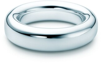 Tiffany & Co. Elsa Peretti Doughnut bangle in sterling silver, medium