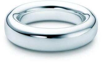 Tiffany & Co. Elsa Peretti Doughnut bangle in sterling silver, medium
